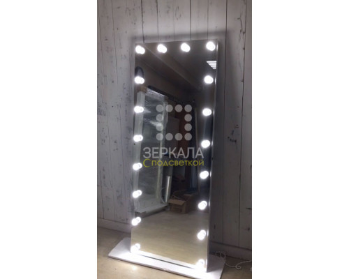 Безрамное гримерное зеркало с подсветкой лампочками 180х60